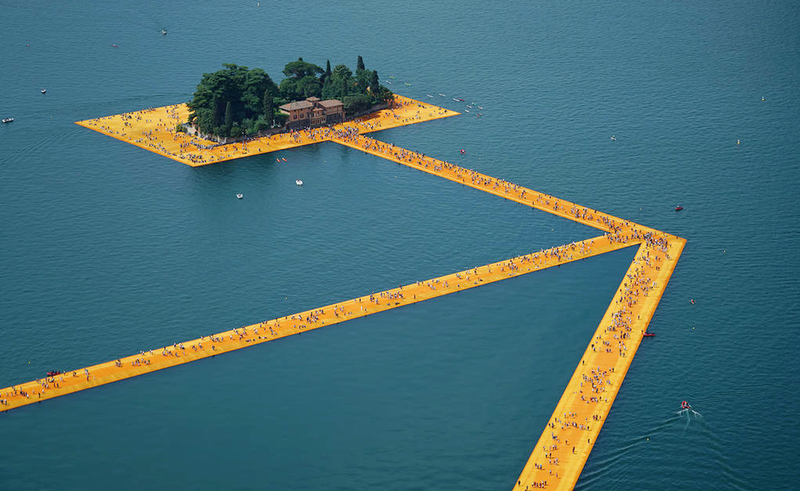 Large christo aa